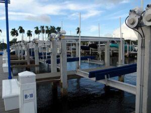miami-river-cove-boat-lift-13