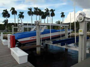 miami-river-cove-boat-lift-10